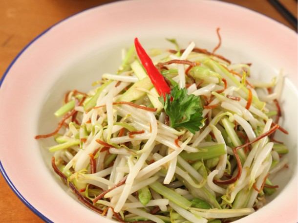 清炒芦笋芽菜吊片丝<br>Fried Shredded Asparagus and Bean Sprouts with Dried Squids