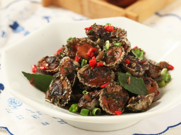 甘香鲜蚶<br>Fried Cockles Kam Heong Style