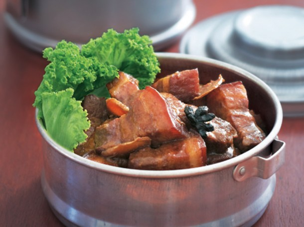 腐乳红烧肉<br>Braised Pork Belly with Fermented Bean