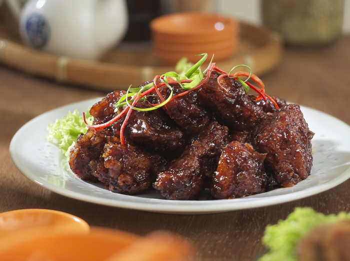 烧汁排骨<br>Fried Spare Ribs in Special Sauce