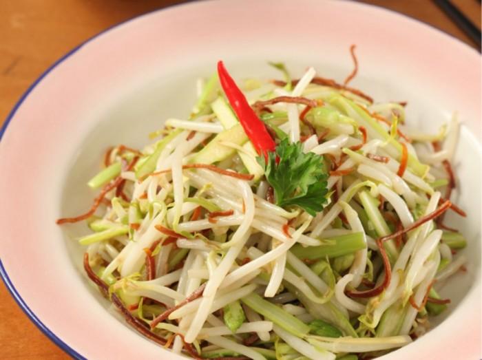 清炒芦笋芽菜吊片丝<br>Fried Shredded Asparagus and Bean Sprouts with Dried Squids