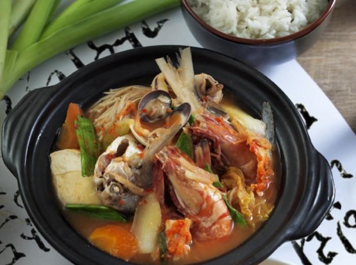 泡菜海鲜豆腐锅<br>Kimchi Seafood Hot Pot
