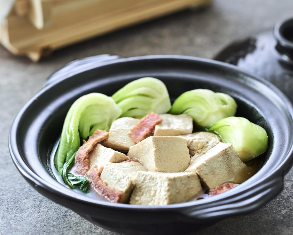 咸肉炖豆腐<br>Tofu Stew